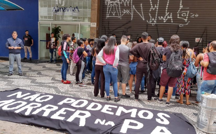 Coronavírus: temendo contaminação, atendentes de call center protestam em SP