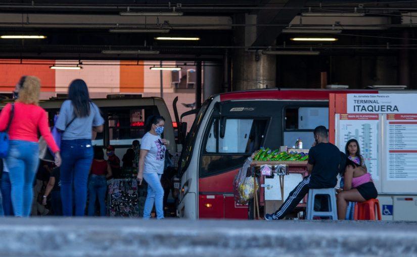 Falta de zeladoria e acessibilidade é risco para idosos em Itaquera