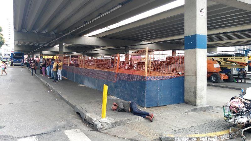 Privatizado, terminal de ônibus Santana terá novo visual, mas segue lotado