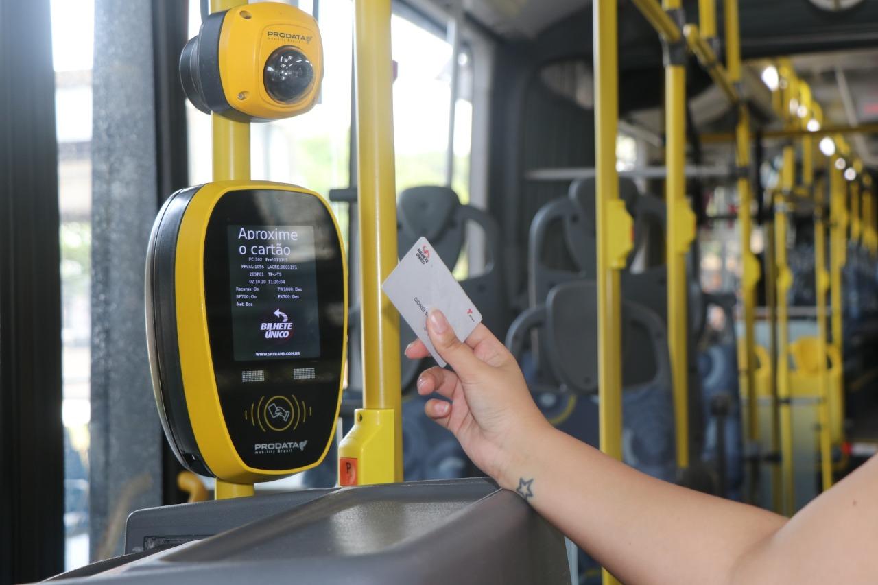 Quem pode viajar de graça ou com desconto no transporte público em SP?