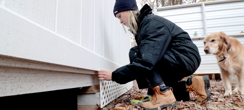 Woodworker Linn Raia's Top 10 Must-Haves for Women Working in the Cold