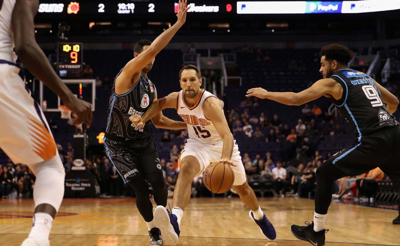 Ryan Anderson of Phoenix Suns handles the ball at NBA game at Talking Stick Resort Arena
