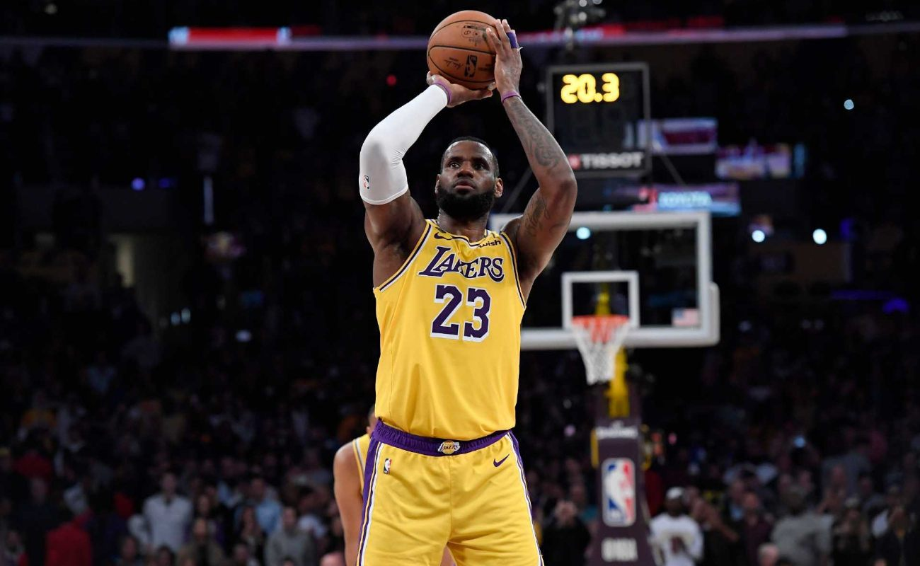 LeBron James #23 of Los Angeles Lakers scores on a free throw to record his 34,000th career point