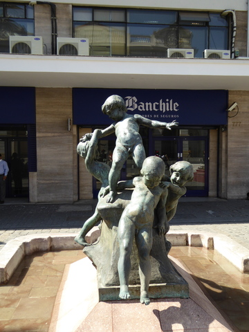 This statue was a gift from Argentina, and is supposed to represent the relationship among Peru, Bolivia, Chile and Argentina.