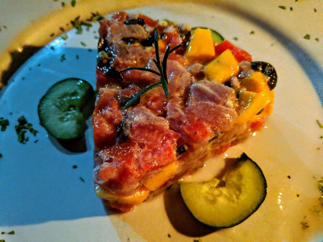 Tuna tartar with mango and tomato