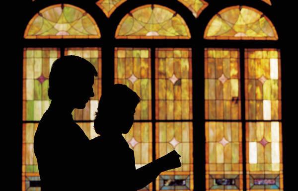 Couple praying silhouette