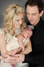 Zoe Annabelle with parents Charis & Duffy Johnson