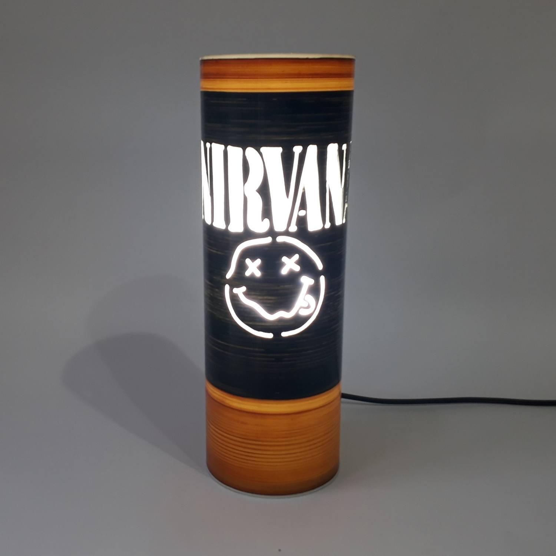 Abajur Luminária Bivolt Nirvana Smile