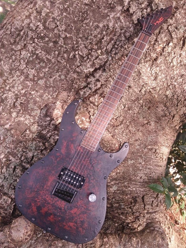 Guitarra Blood Ebony II Hot Machine Custom