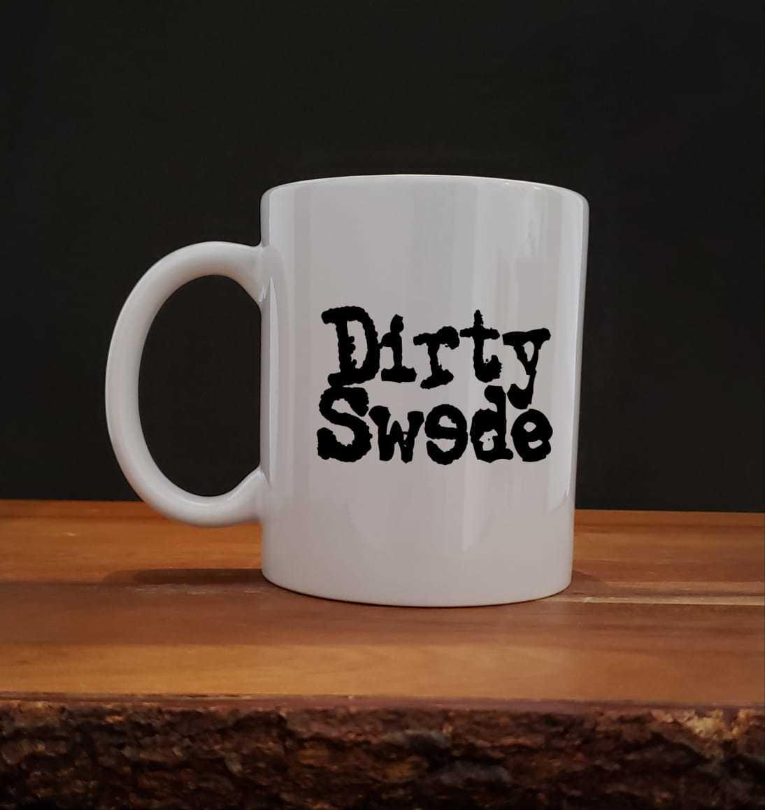 Caneca em porcelana branca -  Suspensos do Estúdio Banda Dirty Sweede 325ml