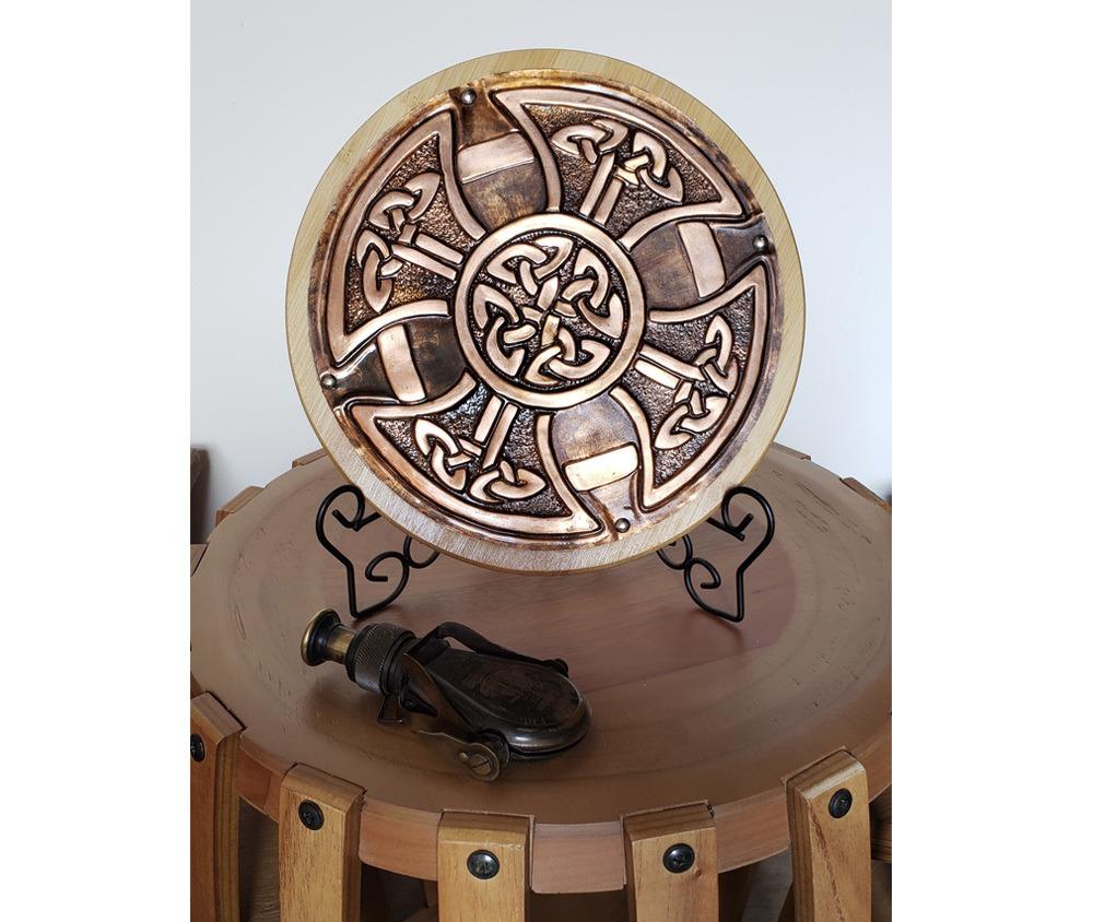 Cruz celta Medieval decorativa em cobre