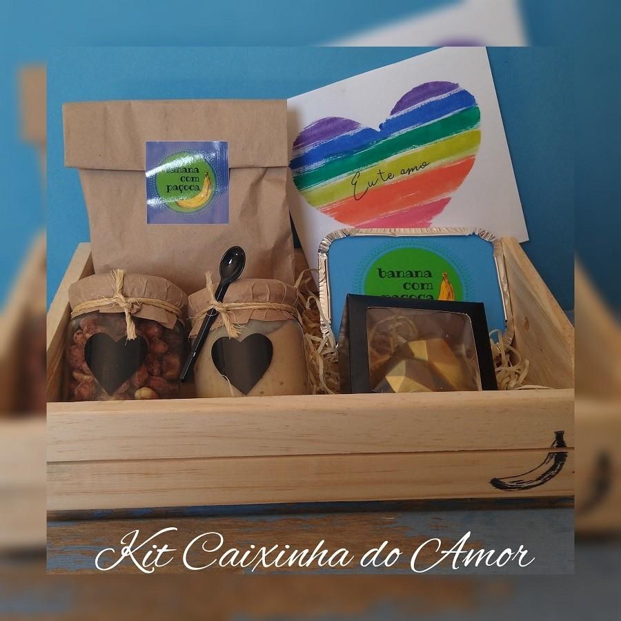 Kit Caixinha do Amor - Paçoca, pralinê de amendoim, brigadeiros e coração de chocolate recheado