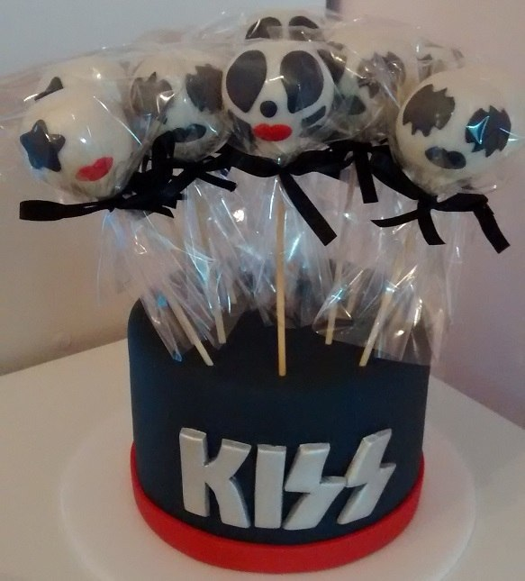 Kit com 10 Cake Pop da Banda Kiss