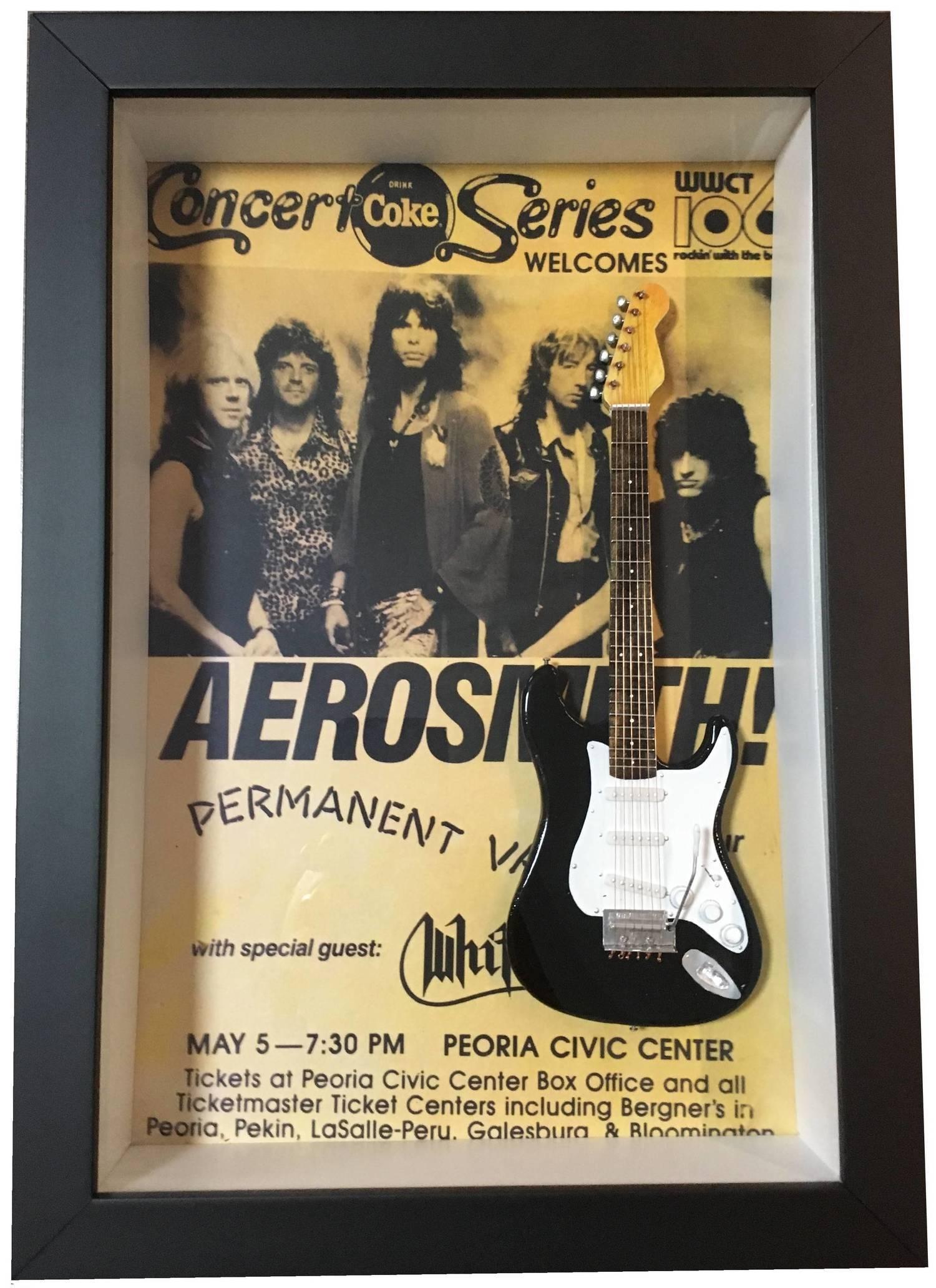 Miniatura Instrumento Musical Guitarra Aerosmith Steven Tyler com quadro