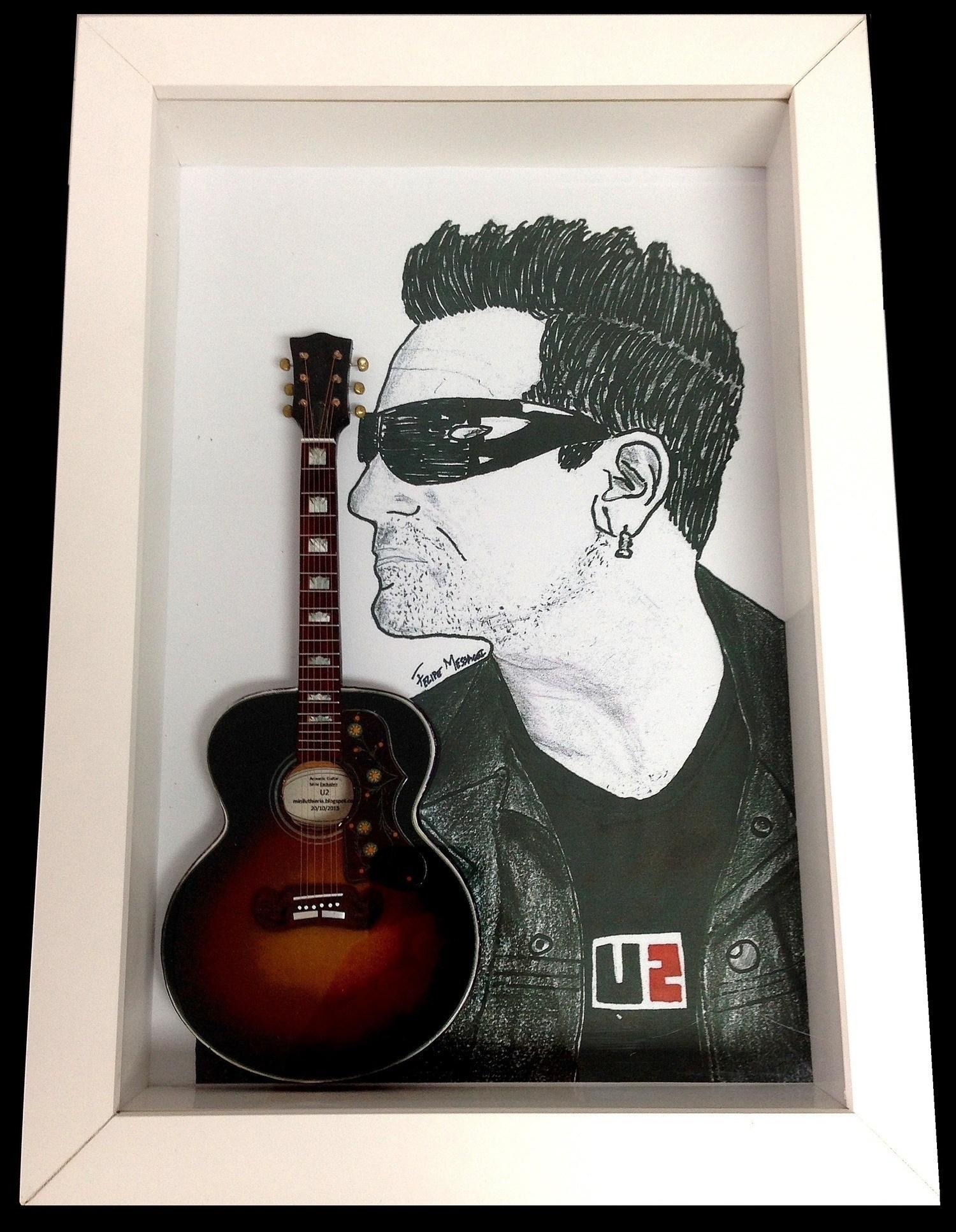 Miniatura Instrumento Musical Violão  U2 Bono Vox com quadro