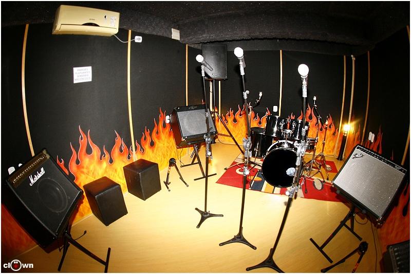 Sala de Ensaio 01 Inferninho com 1h de Duração - Studio Pub