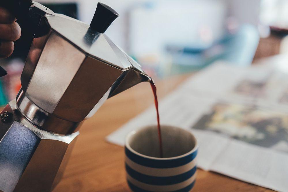 Conheça os tipos de filtros de café e como limpá-los