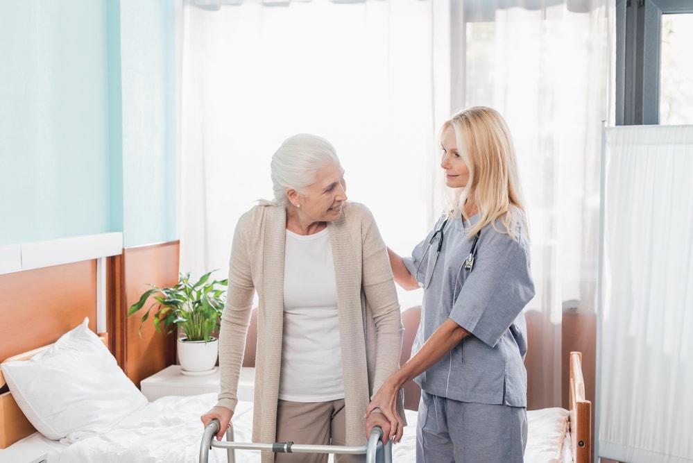 Relação entre técnico em enfermagem e paciente
