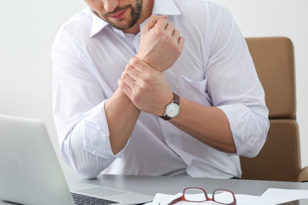 Direito do trabalho: como identificar lesão por esforço repetitivo?