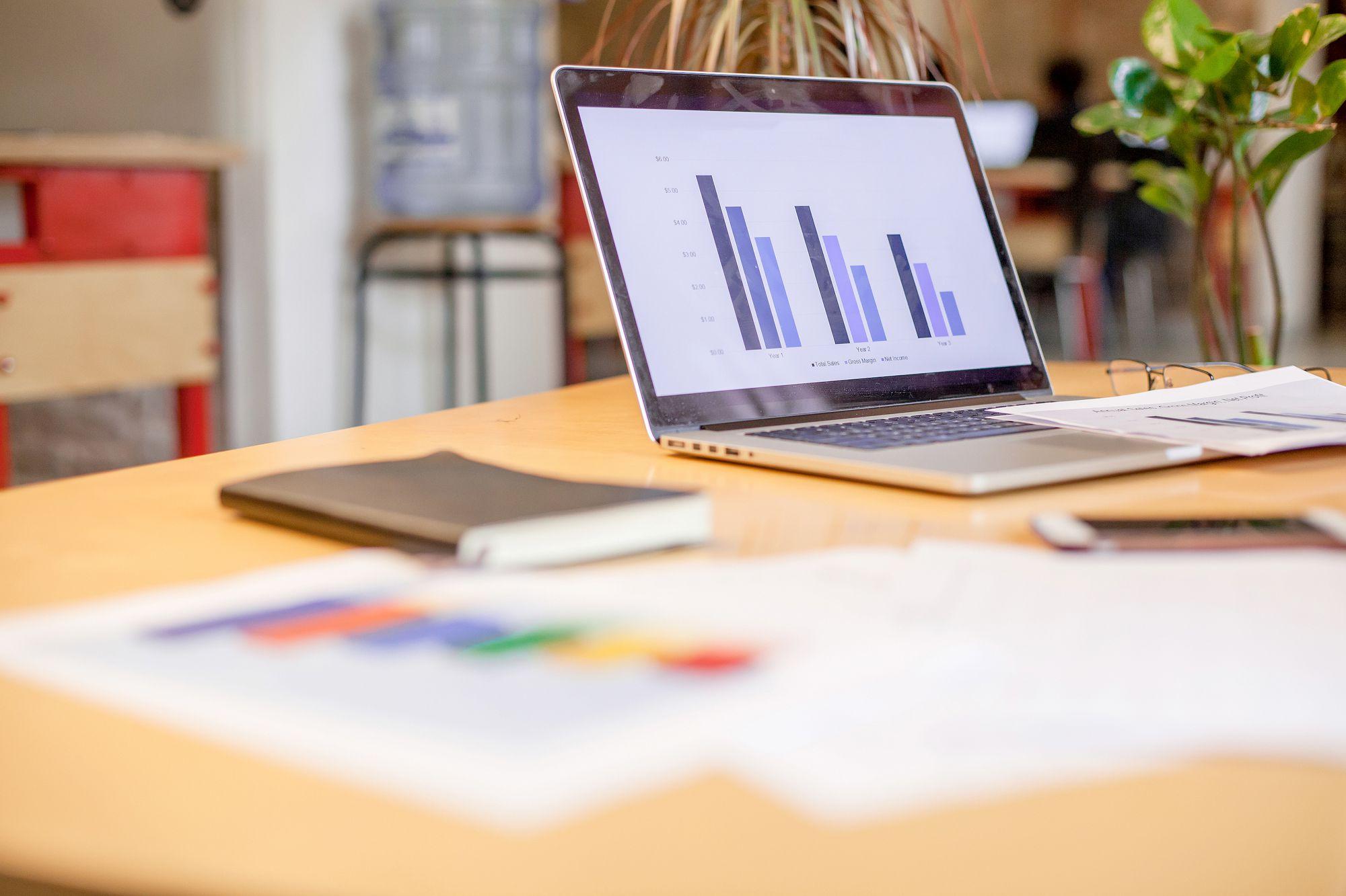 Como fazer um bom controle de despesas e receitas da sua revenda? Confira