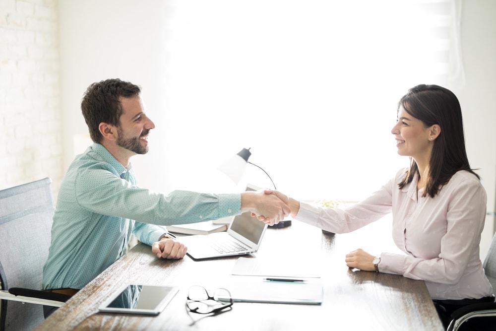 Saiba como cobrar um cliente sem estremecer a relação