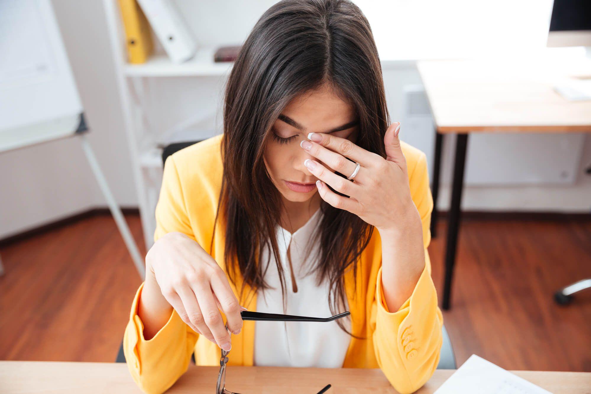 Excesso de trabalho: 6 sinais de que você está sobrecarregado!