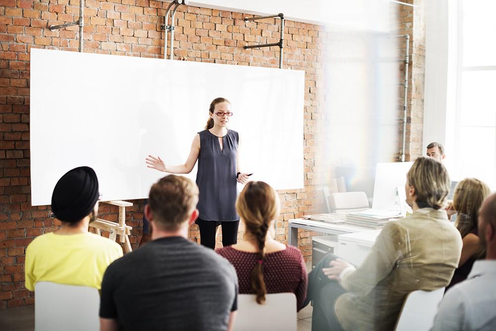 Atualização dos colaboradores: cursos in company são uma opção?