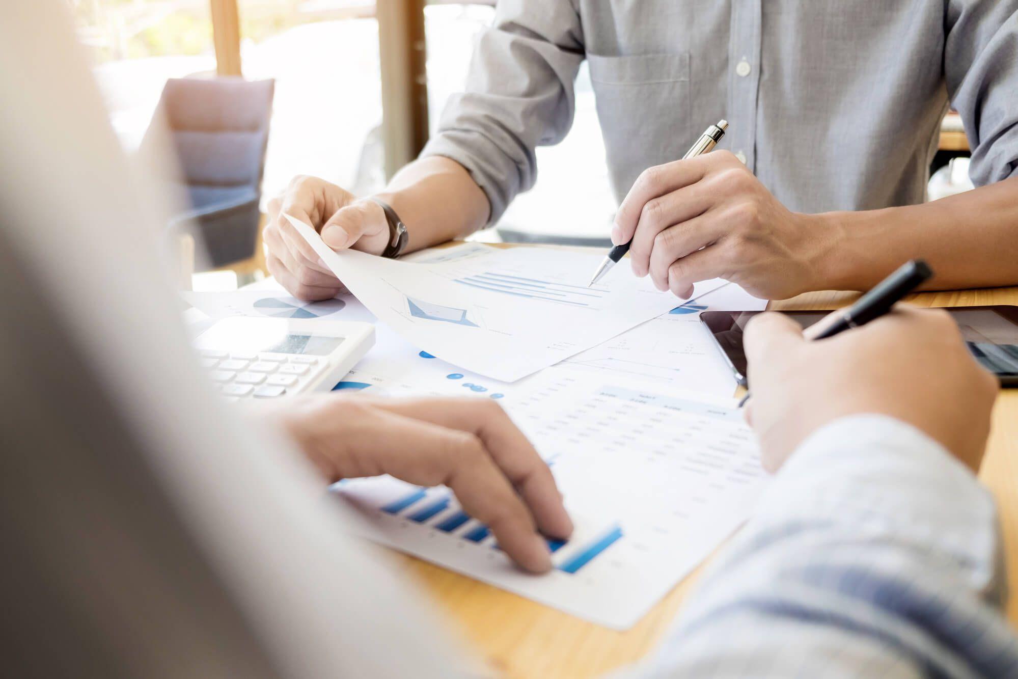 Qual a função de um profissional do departamento financeiro?