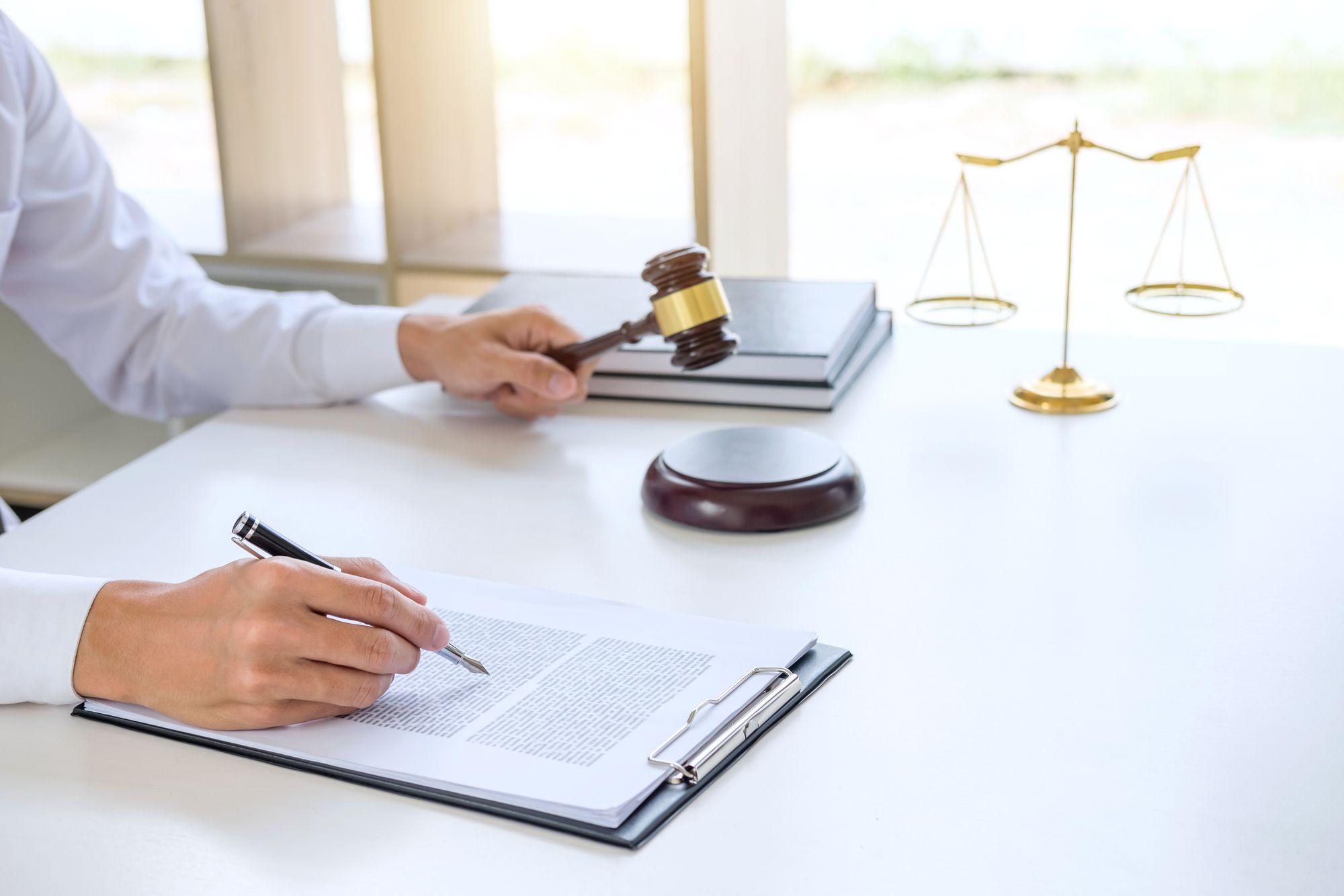 Cobrança extrajudicial e judicial: conheça 3 diferenças!