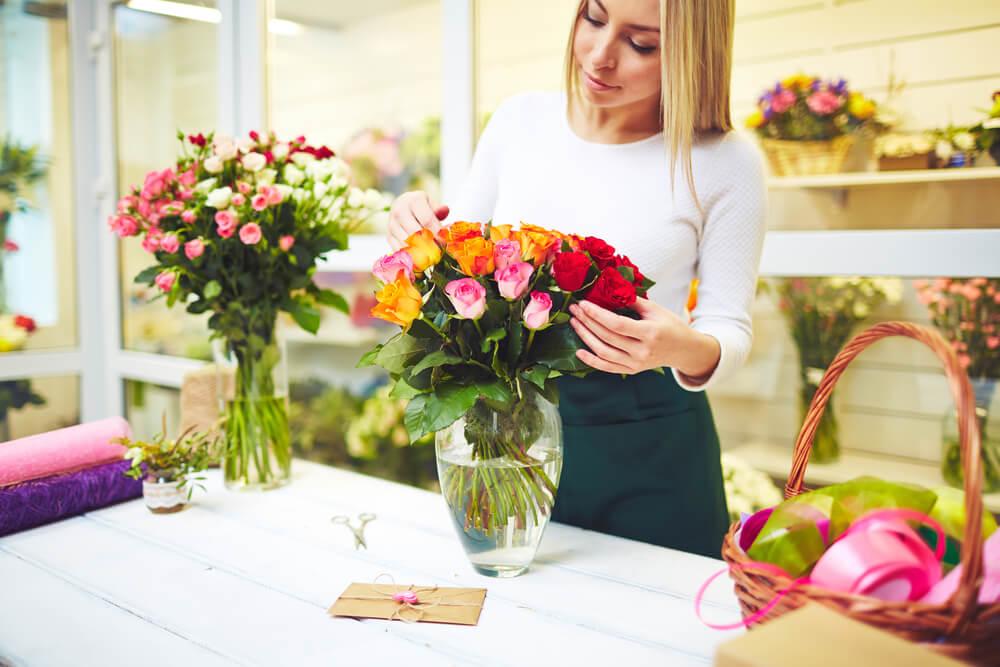 Passo a passo: como conservar as flores do buquê por mais tempo