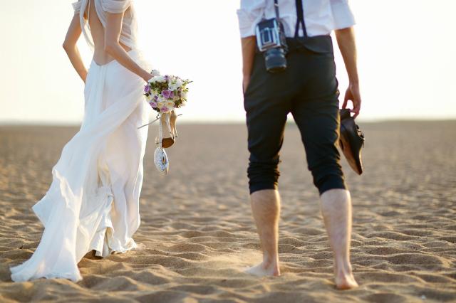 Como escolher um vestido de noiva perfeito para casamento ao ar livre