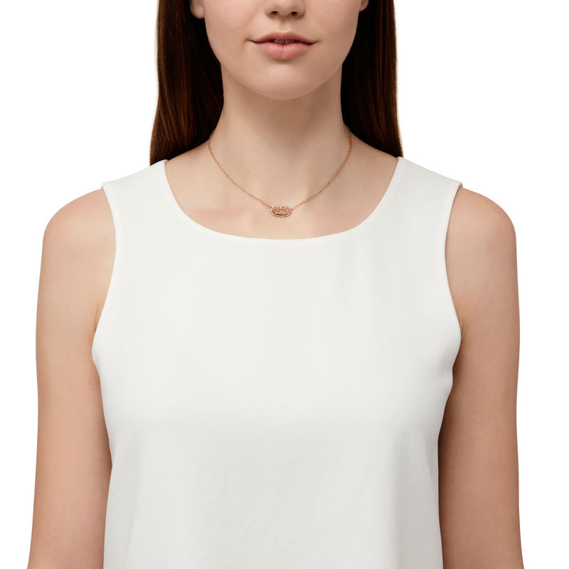 Model Content for Kendra Scott Elisa Necklace in Rose Gold Drusy