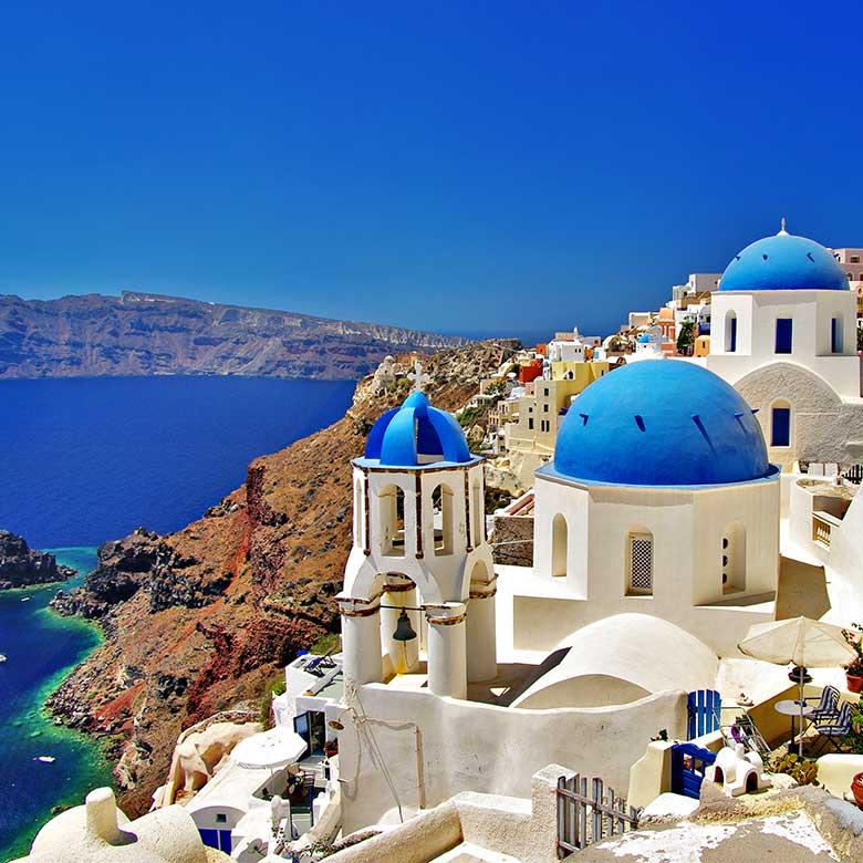 Take a break in Greece with 4 friends when you win!
