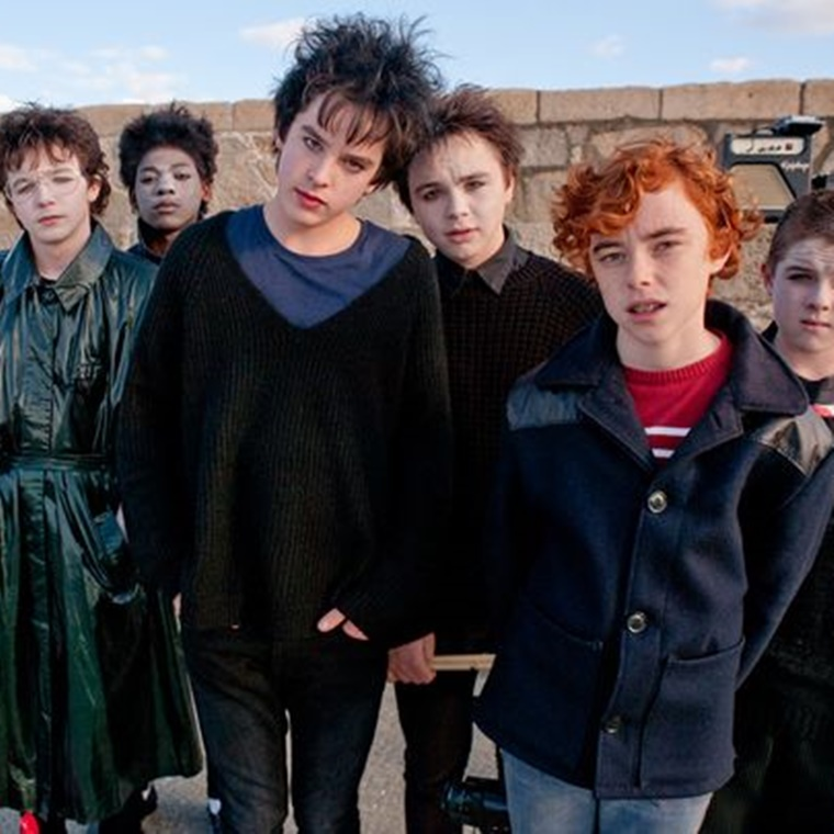 "Win 1/15 ""Sing Street"" Double in-season Passes"