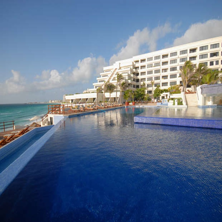 Win A Romantic Vacation For Two In Cancún, Mexico