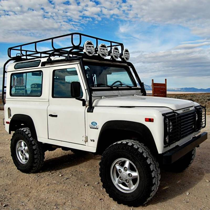 Win a 1995 Land Rover Defender 90