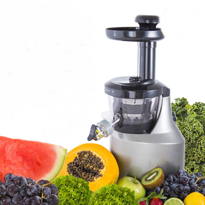 Win A Raw Blend Juice Extractor!