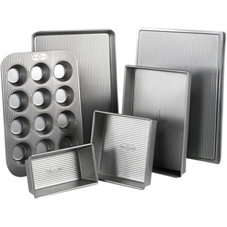 Win a USA Pan 6 Piece Bakeware Set