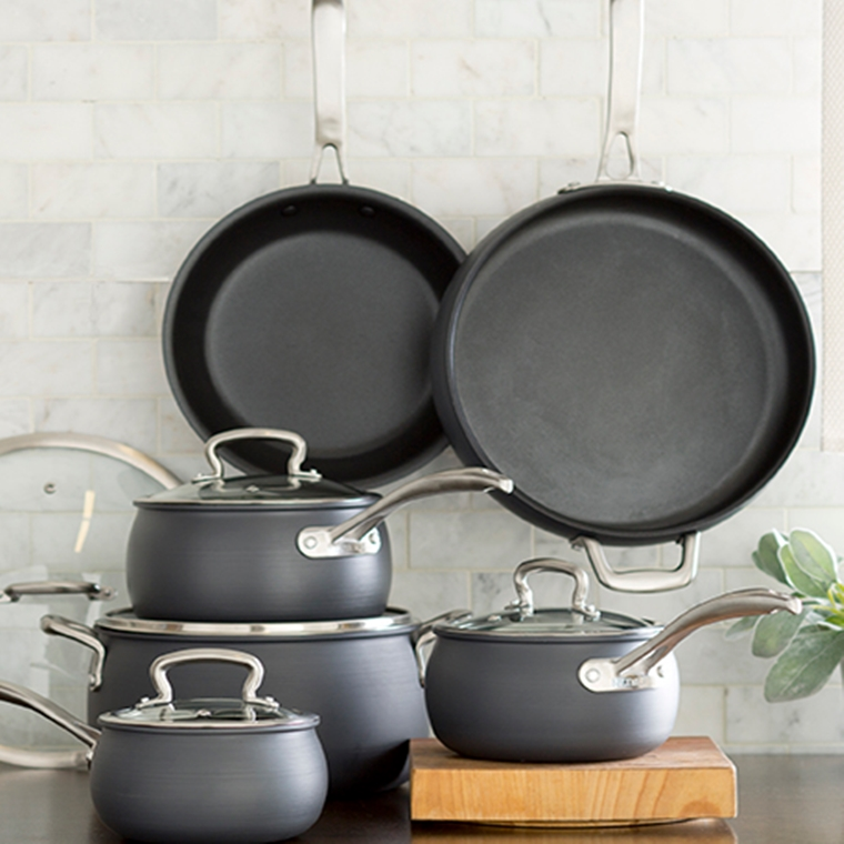 Win a 11-piece of cookware set