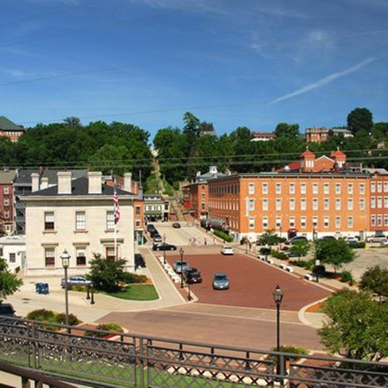 Win a vacation getaway package in Galena, Illinois