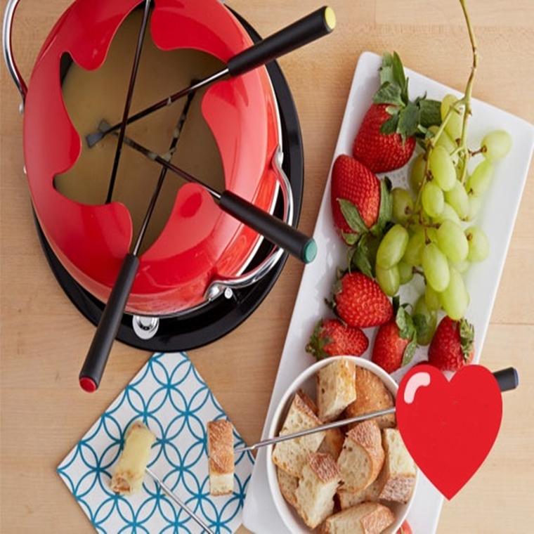 Win a Valentine's IMUSA FONDUE SET