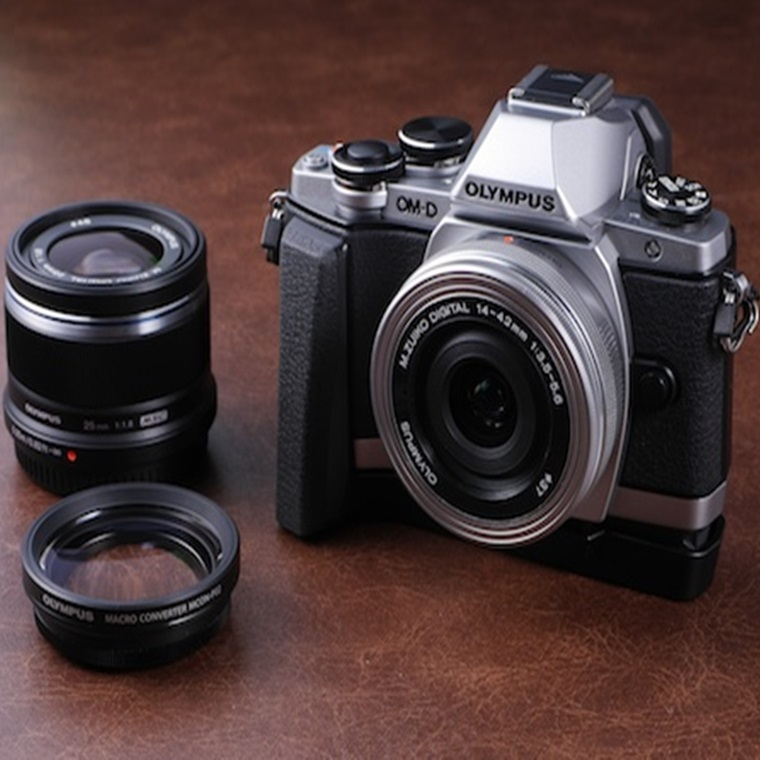 Win An Olympus E-M10 MK2 + Lens Kit