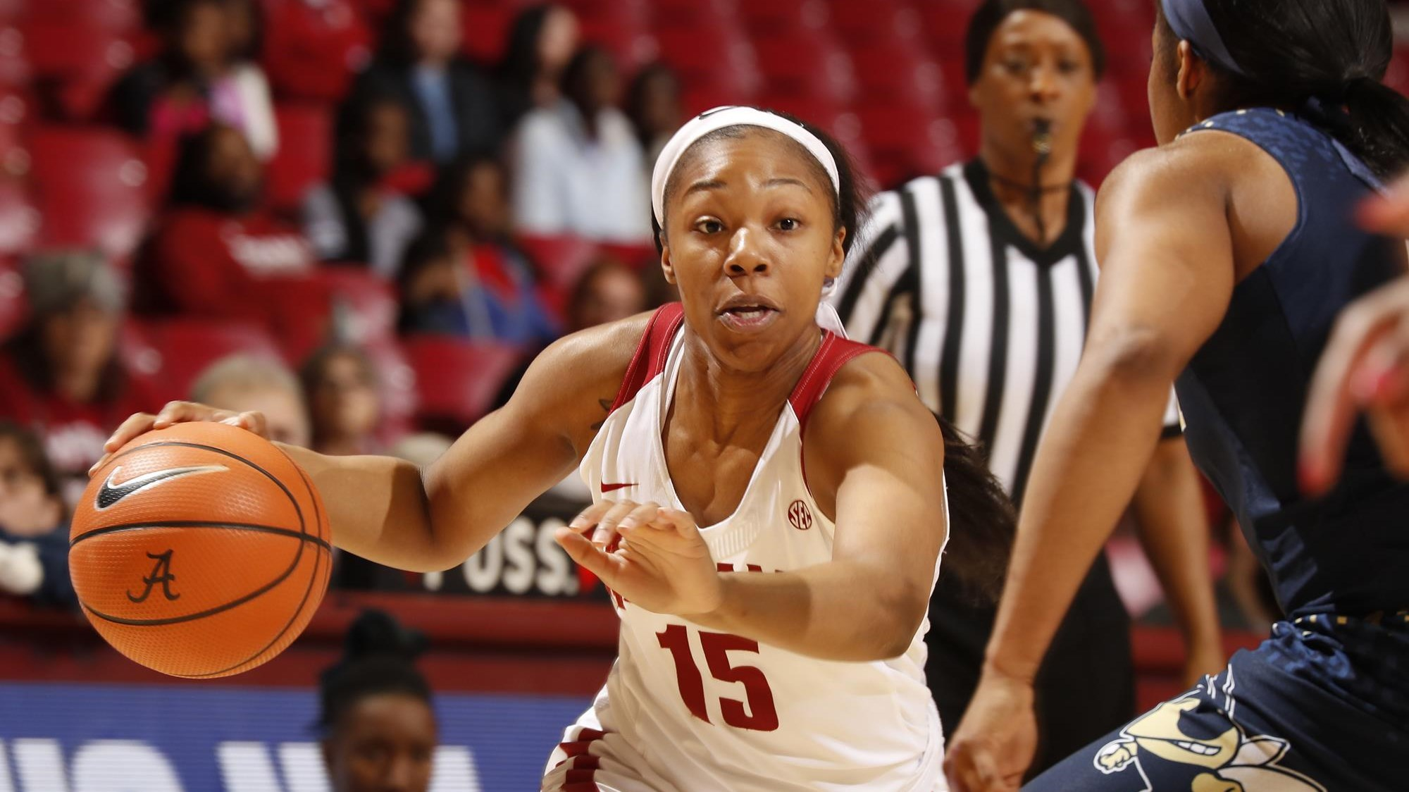 meoshonti knight's game-winning layup propels alabama women's