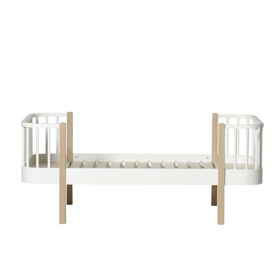 Wood junior bed / Oak