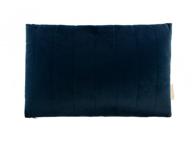 Akamba Velvet Cushion / Night Blue