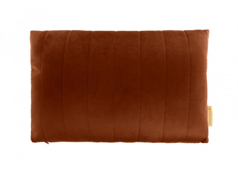Akamba Velvet Cushion / Wild Brown