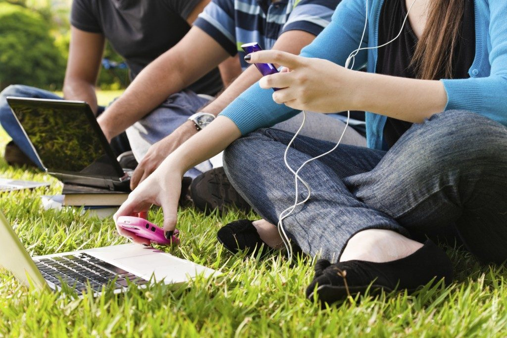 Why Teens Compulsively Use Social Media: To Be Known and Loved