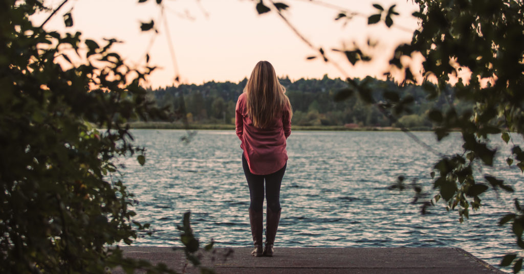 The Double-Edged Sword of Singleness in Youth Ministry