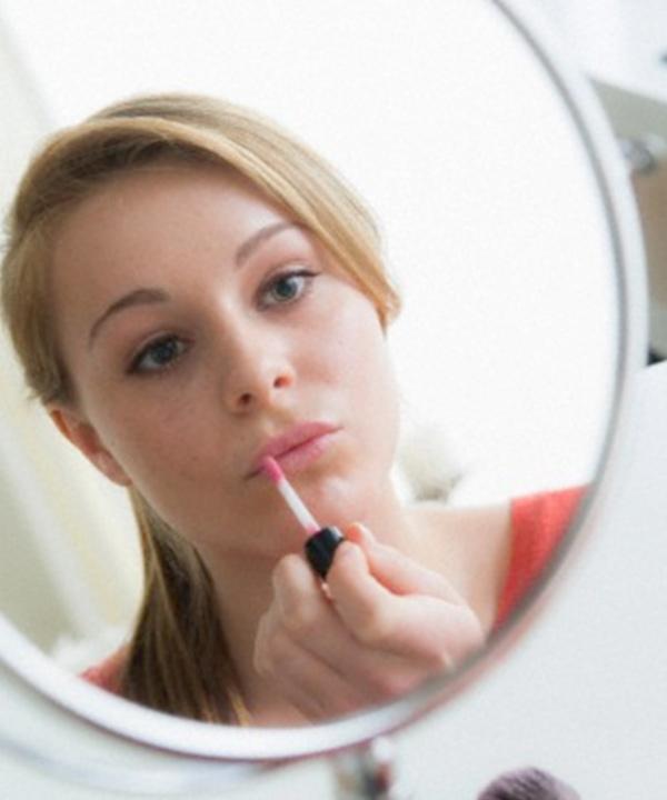 Le maquillage pour l'adolescente; joindre l'utile à l'agréable!