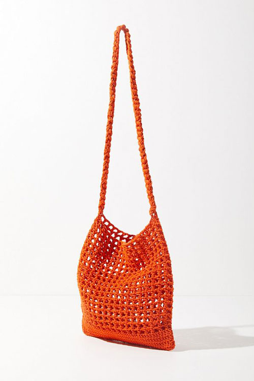 17.-sac-Urban-Outfitters